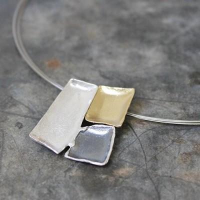 Driekleurige zilveren hanger